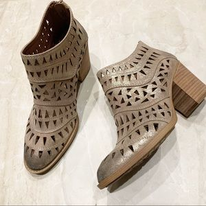 Sofft Westwood metallic laser cut bootie boots